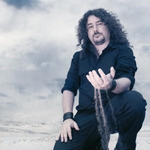 WarCry - La Quinta Esencia - Víctor García
